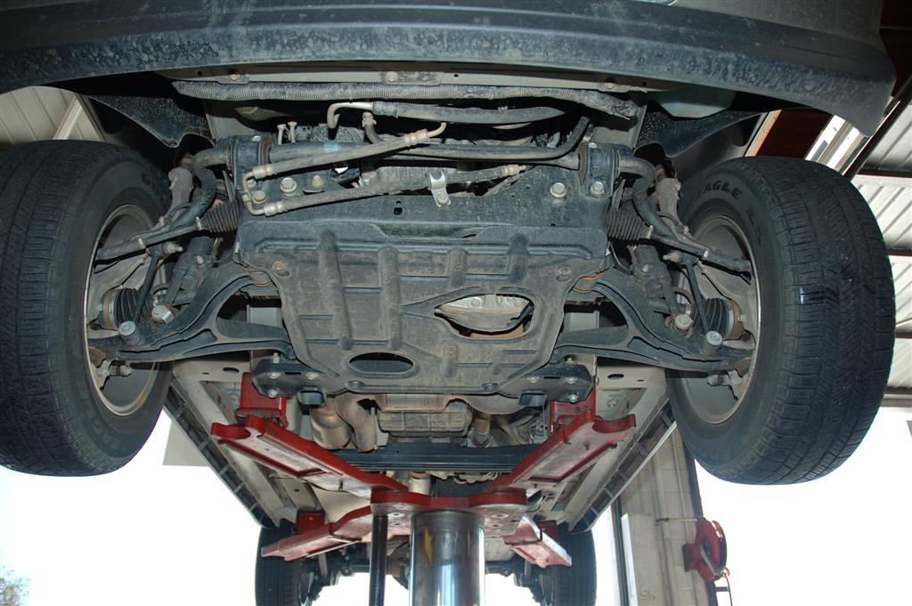 Underside Of 05 Jeep Grand Cherokee Wk Image 4 Of 16